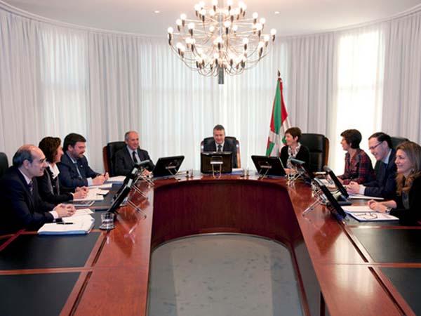 El Gobierno vasco destina 18 millones en ayudas para familias con hijos