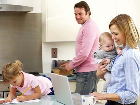 Los españoles prefieren los gestos cotidianos de la familia y los amigos antes que las grandes celebraciones