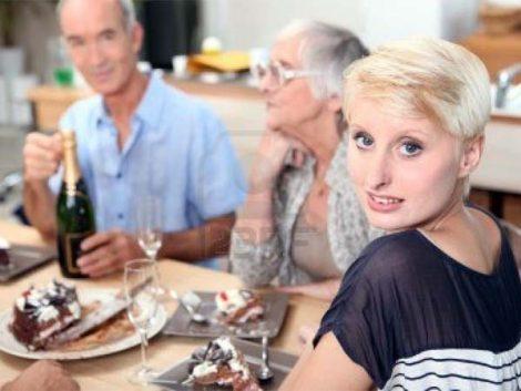 Vivir en casa de los padres hasta los 40 años no es solo cosa de España