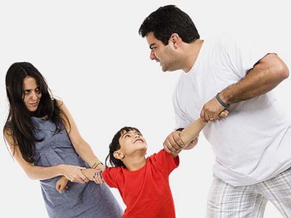 El 70% de los hijos de padres con separaciones conflictivas lo 'paga'