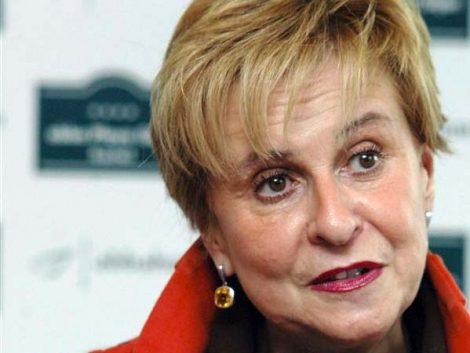 La presidenta de la Comisión de Igualdad apuesta por promover el permiso parental igualitario con el fin de la crisis