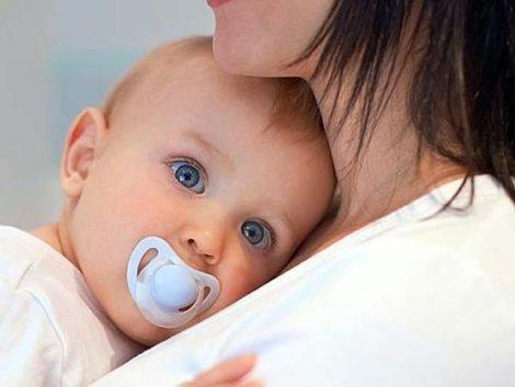 Madres ceden a sus hijos en adopción sin informarles de consecuencias jurídicas