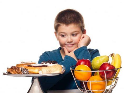 """Ana Mato: """"La familia es clave contra la obesidad, los niños aprenden lo que ven"""""""