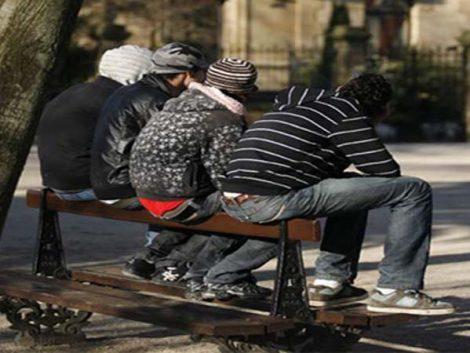 El 61% de los jóvenes catalanes que vive con los padres sería pobre si se emancipara