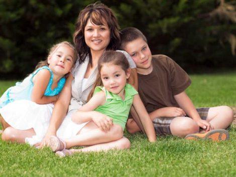 Los solteros y divorciados con hijos jóvenes se triplican en Euskadi en diez años y llegan a 40.000