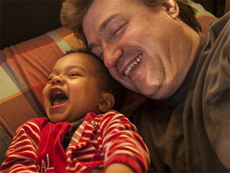 Los hijos de madres de alquiler casi igualan a los de adopción internacional