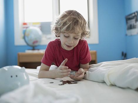 Los niños españoles, entre los que reciben una mayor paga. ¿Lo estamos haciendo bien?