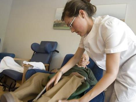 España cae al nivel de Rumanía en servicios de cuidados paliativos