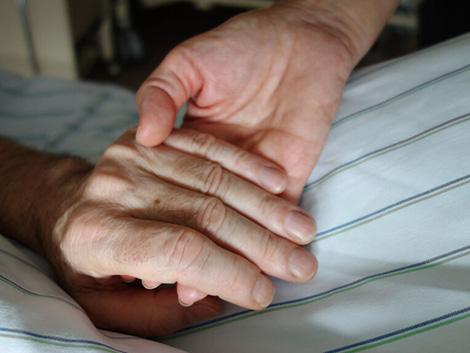 Los médicos piden la misma celeridad con la ley de paliativos que con la de la eutanasia