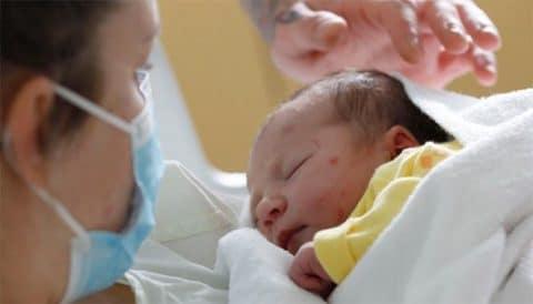 La epidemia ha hundido la natalidad, ¿será pasajero?