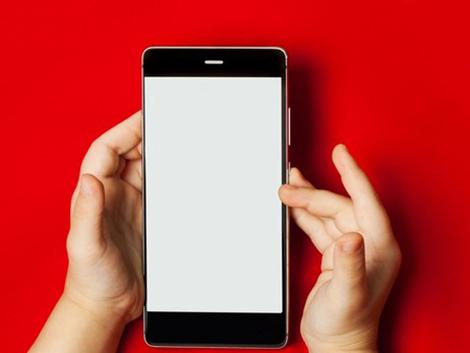 Lo que puede ocurrirle a tu hijo si hace un uso incorrecto de la tecnología, según los pediatras