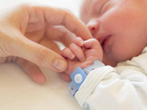 Por qué padres y madres no somos ni iguales ni intransferibles