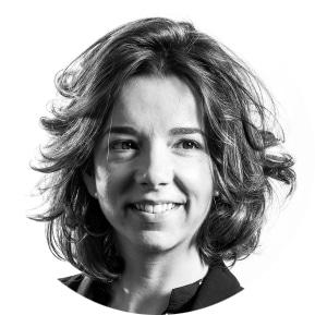Clausura: Dª. Paula Gómez Angulo