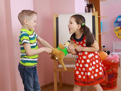 ¿Cómo podemos evitar peleas entre nuestros hijos?