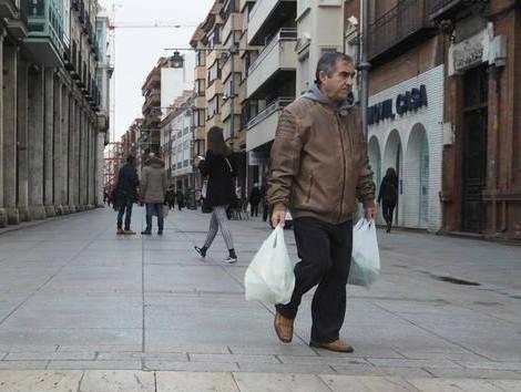 Madrid contra Palencia: cuánto cunden 50€ en la ciudad más cara y la más barata.