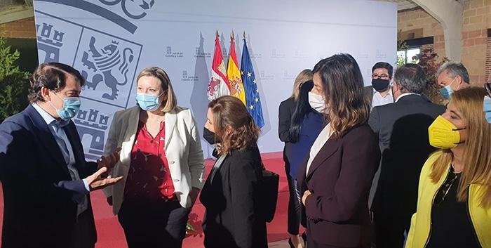 Castilla y León ofrecerá un bono de 750 euros por hijo menor de tres años a los padres que concilien