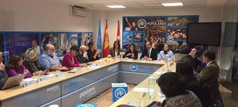Reunión de entidades sociales para conocer la ponencia social del Partido Popular