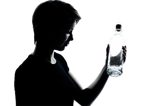 30. Perfil de los adolescentes que acuden a urgencias por intoxicación enólica aguda