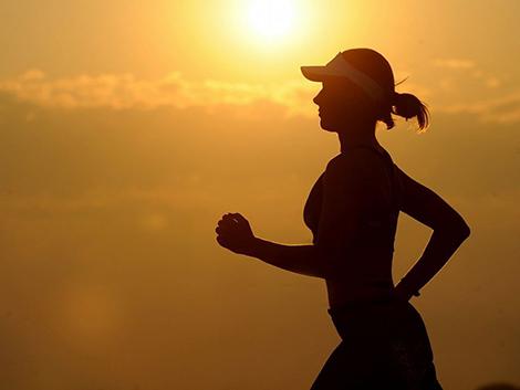 Las mujeres con una dieta hipercalórica tienen casi el doble de riesgo de cáncer de mama