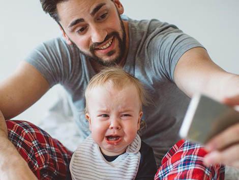 26. Sharenting: La sobreexposición de los hijos en las redes sociales.