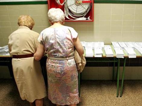 Mujeres mayores de 65 años sin hijos, el rostro de la soledad en España