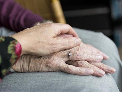 Los mayores a los políticos: «Si quieren resolver el problema de la soledad, que nos escuchen»