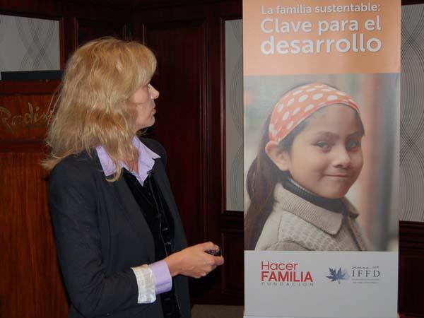 """""""Las familias necesitan más políticas sociales para enfrentar los desafíos de hoy"""""""