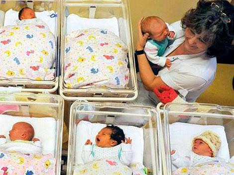 Hay más familias españolas que esperan mejorar su situación económica este año
