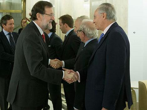 Rajoy se reúne con The Family Watch en el Congreso e impulsa que todas las leyes evalúen qué impacto tendrán en las familias