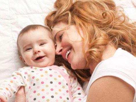"""Asociaciones familiares ven """"insignificante"""" el aumento de los nacimientos en un 0,1%"""