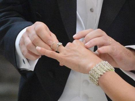El 51% de los españoles no ha convivido antes de casarse