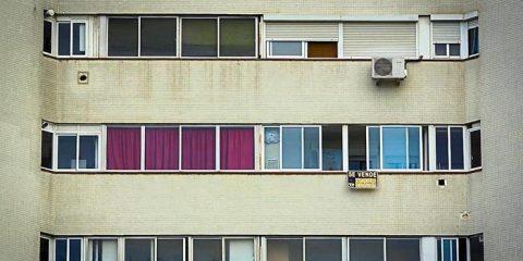 Pisos que ya nadie quiere: el ocaso de la vivienda pequeña y sin balcón