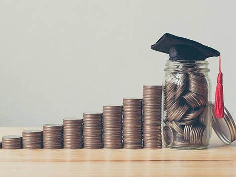 La mitad de la población española no planifica sus ahorros para afrontar el nuevo curso escolar
