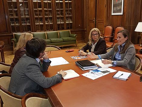Reunión de trabajo con Carmen Navarro y Dolores Marcos
